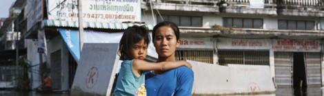 Anchalee Koyamaholds Taweewattana districk, Bangkok Thailand November 2011 (Photo by Gideon Mendel)